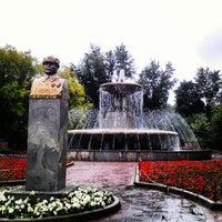 Photo taken at Фонтан в сквере Девичьего поля by Матвей Н. on 8/29/2012