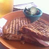 Foto tomada en Bread & Cie por Bridgette M. el 5/23/2012