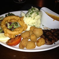 Снимок сделан в The Soulville Steakhouse пользователем Charlotte M. 4/3/2012