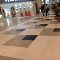 Photo taken at Shopping Cidade by Elisandra A. on 5/16/2012