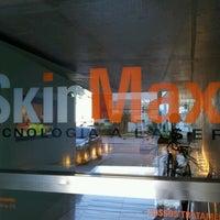 Photo taken at SkinMax - Depilação a Laser - Unidade Estados Unidos - Clinica Conceito by Tamires C. on 7/21/2012