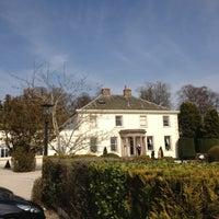 Foto tirada no(a) Roundthorn Country House por Denis N. em 3/24/2012