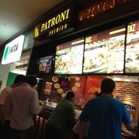 Photo taken at Patroni Premium by Flavio D. on 2/10/2012