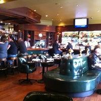 Photo prise au Original Joe's par Bob Q. le9/5/2012