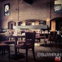 Das Foto wurde bei Paschal's Restaurant von @SwYpPuH T. am 8/16/2012 aufgenommen