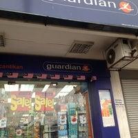 Photo taken at Guardian Pharmacy by Razmi M. on 8/26/2012