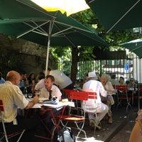 Photo prise au Café du Soleil par Svetlana C. le6/27/2012