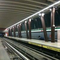 Foto tomada en Metro Vicente Valdés por Sebastian V. el 5/27/2012