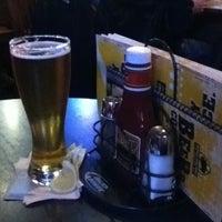 Foto tomada en Buffalo Wild Wings por Manny V. el 2/22/2012