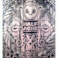 รูปภาพถ่ายที่ Half Acre Beer Company โดย Stephanie T. เมื่อ 3/31/2012