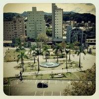 Foto tirada no(a) Praça do Sesquicentenário de Brusque por Carlos Mozarth M. em 4/29/2012