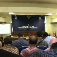 7/17/2012에 Eeng A.님이 Gedung Prof. Soedarto Undip에서 찍은 사진