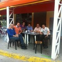 Foto tomada en Horchateria-Pizzeria Bon Gelat por Orlando J. el 5/11/2012