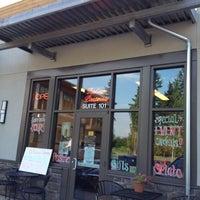 Foto scattata a Di Tazza Cafe da Sirenna P. il 7/14/2012