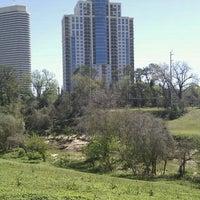 Foto scattata a Buffalo Bayou Park da Yesenea M. il 3/4/2012