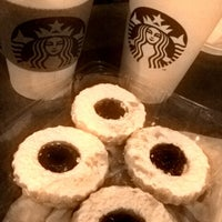 Foto tomada en Starbucks por Chac G. el 6/30/2012