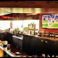 Снимок сделан в Hudson's Classic Grill & Bar пользователем Michael B. 4/21/2012