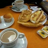 Foto tirada no(a) Contemporâneo Restaurante e Cafeteria por Anna Carolina O. em 6/9/2012