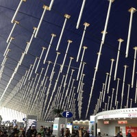 Photo taken at Shanghai Pudong International Airport (PVG) by kirohi on 2/25/2012