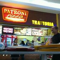 Photo taken at Patroni Pizza by Rafael D. on 4/29/2012