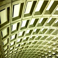 Photo taken at Smithsonian Metro Station by Outen Ü. on 3/29/2012