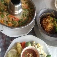 Photo taken at Phu-Talay Seafood Koh Chang by SLeEpLesS on 4/8/2012
