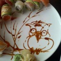Foto diambil di FuGu Sushi oleh Jeni M. pada 3/17/2012