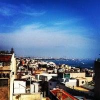 Das Foto wurde bei Perla Kallavi Teras Cafe von Mehmet U. am 5/12/2012 aufgenommen