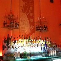 Das Foto wurde bei Cruise Room von Pauly M. am 4/10/2012 aufgenommen
