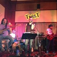 7/27/2012 tarihinde Bernaziyaretçi tarafından Twist Bar'de çekilen fotoğraf
