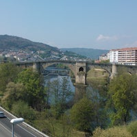Foto tirada no(a) Ponte Romana de Ourense por Tomás M. em 4/5/2012