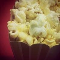 Foto tirada no(a) Cinemas Teresina por Evanayra V. em 6/18/2012