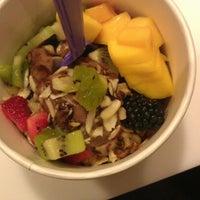 Photo taken at Lulu's Frozen Yogurt by Richard on 7/30/2012