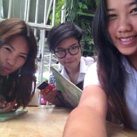 Photo taken at บิ๊กบะหมี่ & สเต๊ก by pipe z. on 2/21/2012