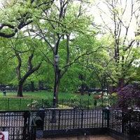 Das Foto wurde bei Tompkins Square Park von Johnny R. am 5/9/2012 aufgenommen