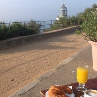 Foto tomada en Hotel Restaurant El Far por Fernando B. el 8/24/2012