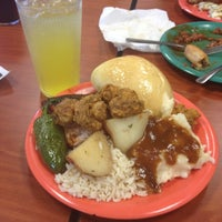 Photo taken at Golden Corral by Paulina C. on 6/10/2012