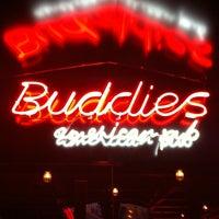 Foto tirada no(a) Buddies Burger & Beer por Thomas S. em 6/30/2012