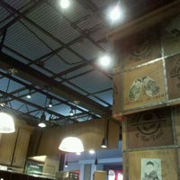 Photo taken at The Coffee Bean & Tea Leaf by Hukwan L. on 2/27/2012