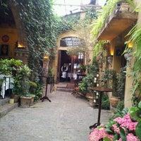 Foto tirada no(a) Vicolo Nostro por Vanessa M. em 7/26/2012