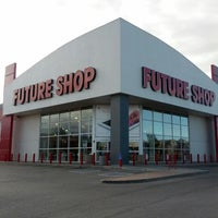 Photo taken at Future Shop by Bruno S. on 7/21/2012