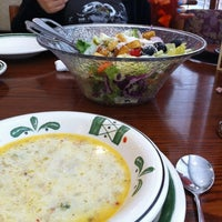 Photo taken at Olive Garden by Carmen on 5/25/2012