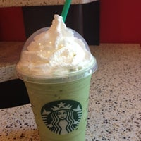 Photo taken at Starbucks by Flers K. on 8/9/2012