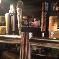 Photo prise au Alphabet City Beer Co. par Emily E. le5/25/2012