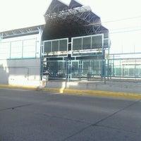 Photo taken at L1 Tren Ligero Estación Dermatológico by Alfredo on 7/10/2012