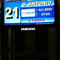 Foto tomada en Sala/Gate 21 por Roberto V. el 8/28/2012