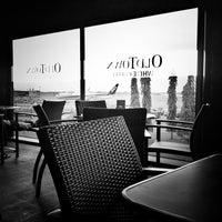 Photo taken at OldTown White Coffee by Bambang W. on 2/11/2012