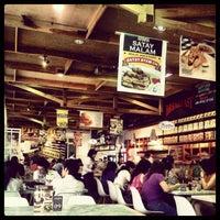 Photo prise au Kafetaria 170 par Joe S. le4/10/2012