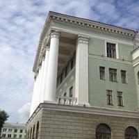 Das Foto wurde bei БНТУ 1-й Корпус von Bjatta am 7/16/2012 aufgenommen