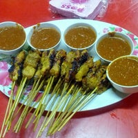 Photo taken at Satay Hut by Hadzwan Z. on 7/8/2012